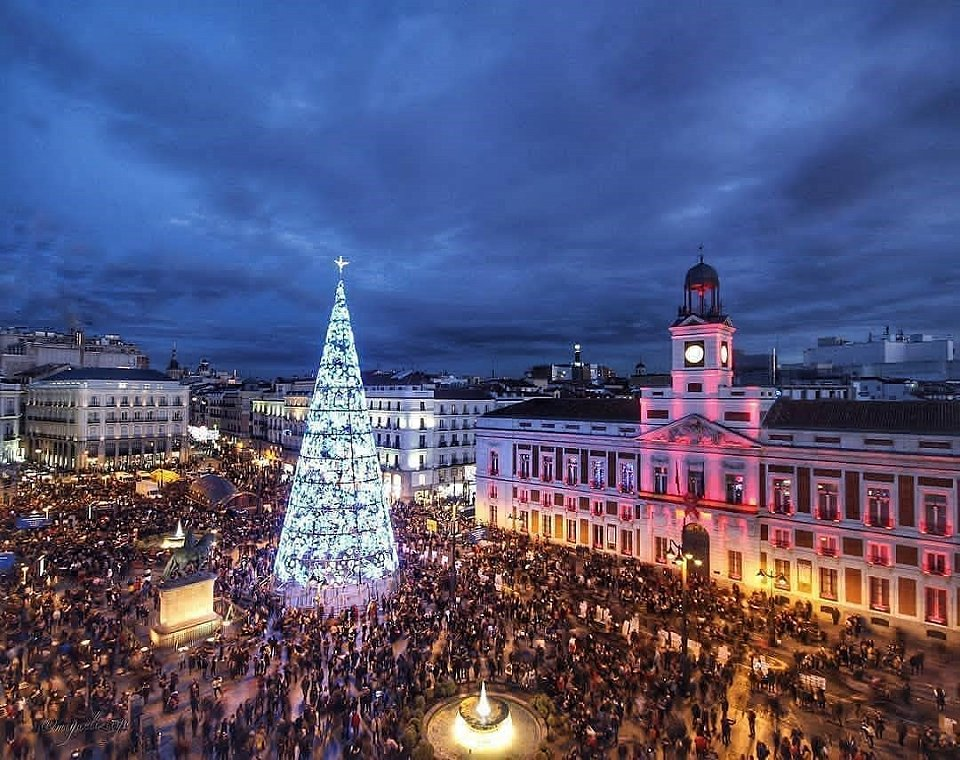 The tree in Puerta del Sol, Madrid