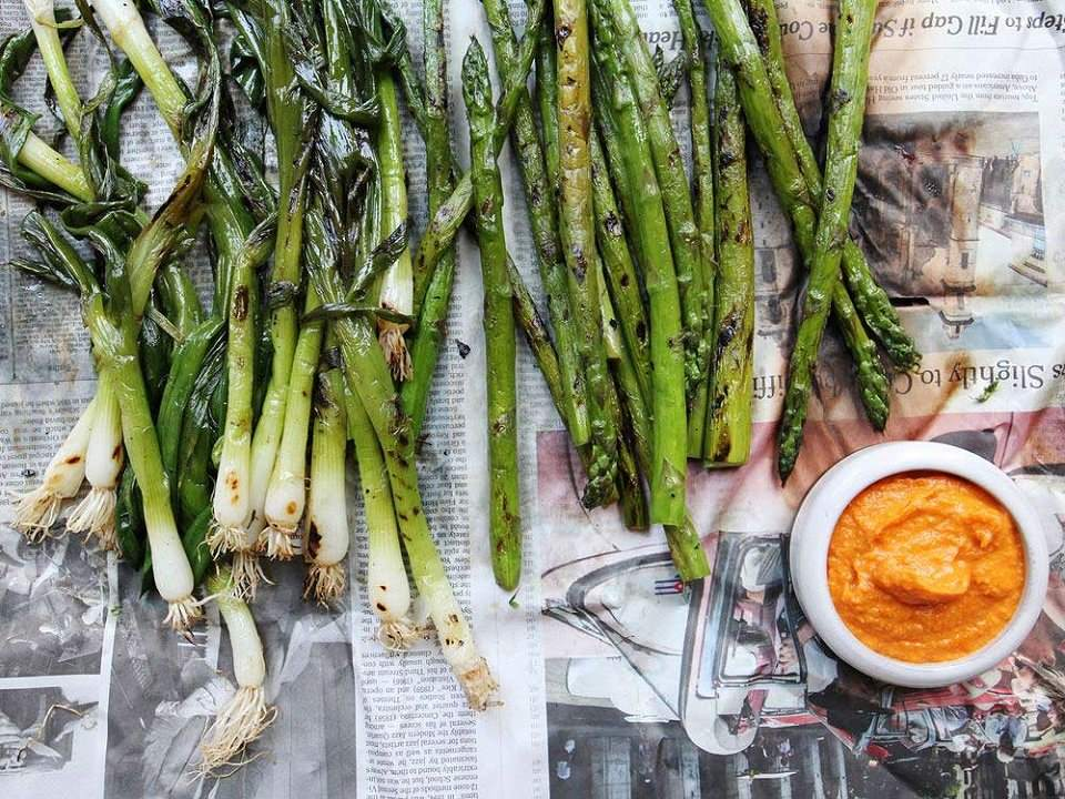 Crazy for calçots – everything about the Catalan onion festival
