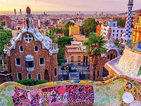 Sunset at Park Güell overlooking Barcelona