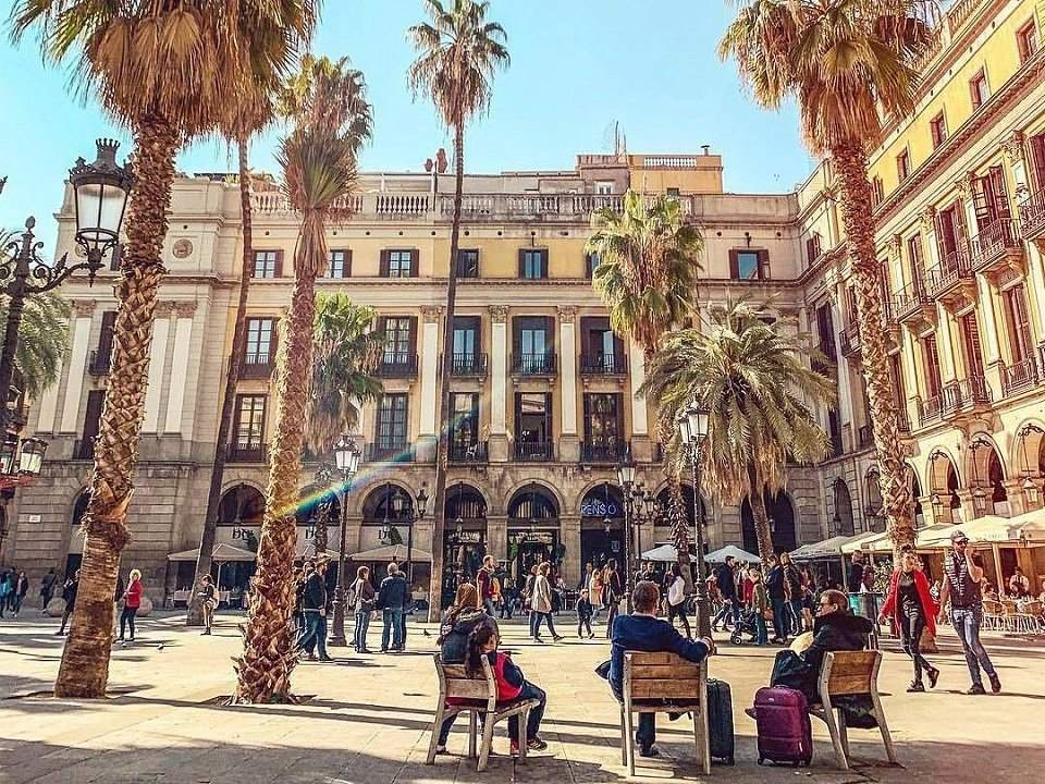 The neighbourhoods of Barcelona: our favourite barrios